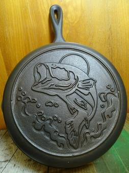 LODGE 10.5 NEW LARGE MOUTH BASS WILDLIFE SERIES CAST IRON SK