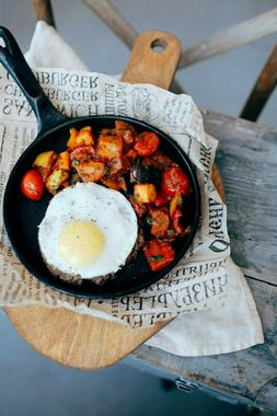 Lodge Pre-Seasoned 12 Inch. Cast Iron Skillet with Assist Ha
